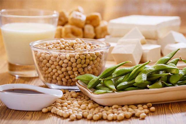 Nếu thắc mắc người ngực lép nên ăn gì để tăng vòng 1 thì bạn nên bổ sung Protein từ thực vật