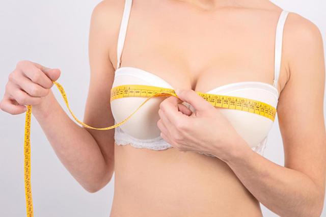 Bạn nên từ bỏ ngay thói quen mặc áo con không phù hợp với kích thước vòng ngực của mình