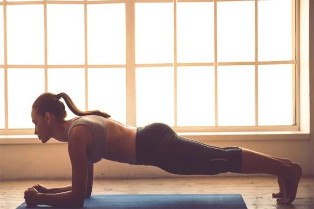 Bài tập Plank có khả năng làm săn chắc cơ lưng