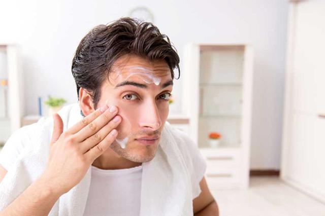 Nam giới thường lười vệ sinh da mặt sạch sẽ